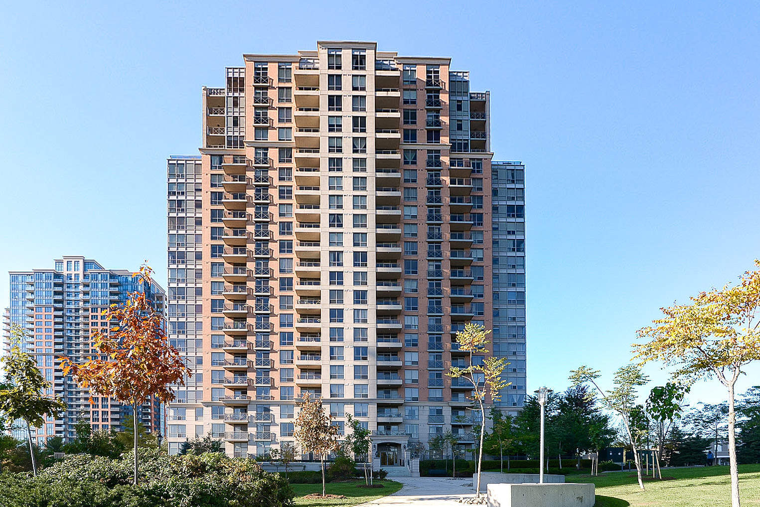 Leased- Toronto One Bedroom Condo on 5229 Dundas Ave W